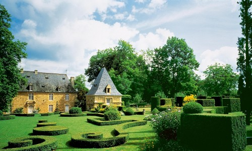 The beauty of the villages and gardens of the Pérgord